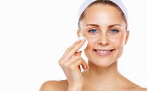 Как бороться с жирной кожей лица в летний и зимний период