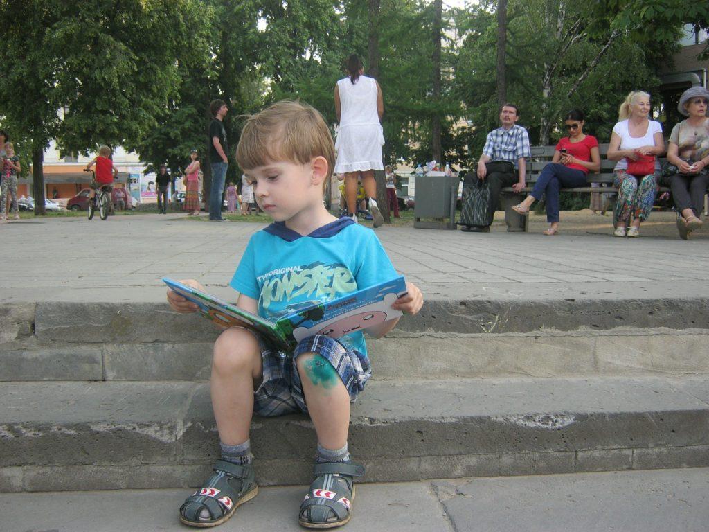 Как можно научить ребенка читать по слогам