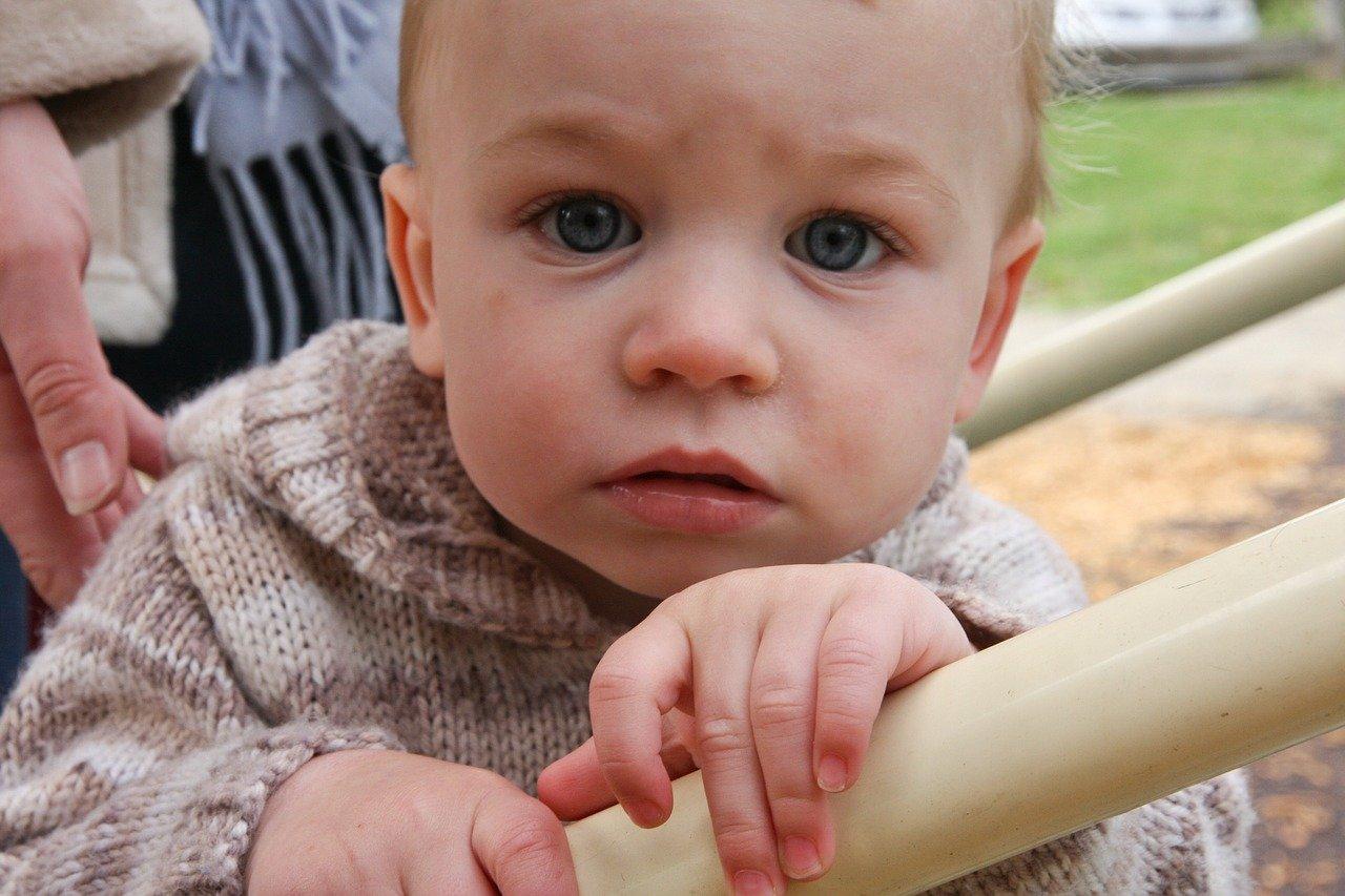Ребенок в 2 года жадничает, что делать