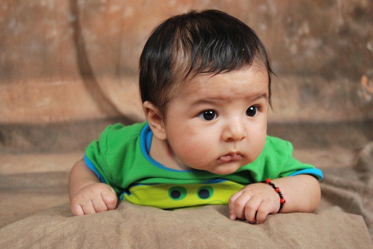 Сколько новорожденный прибавляет в весе в первый месяц