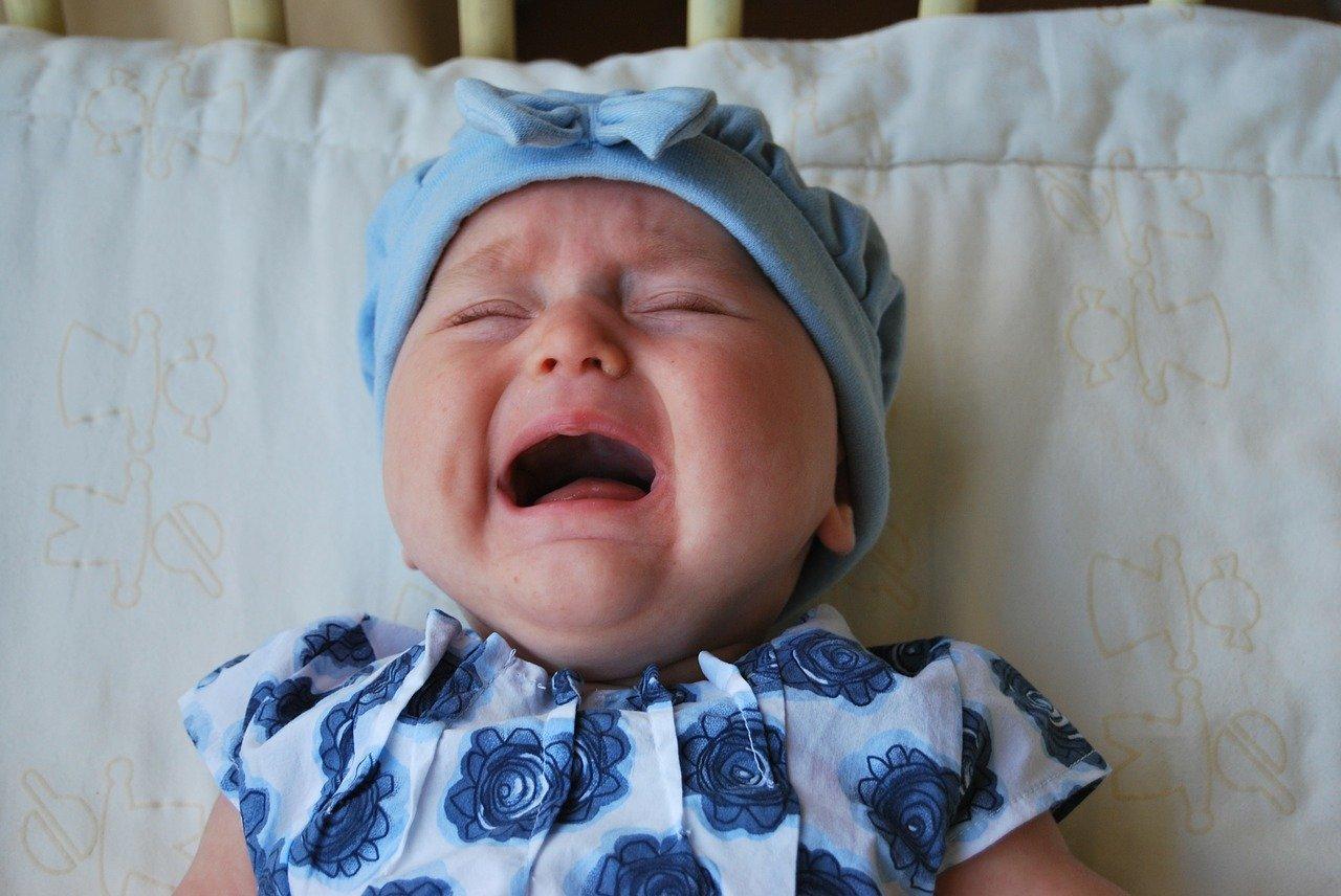 у новорожденного гноится глазик чем лечить