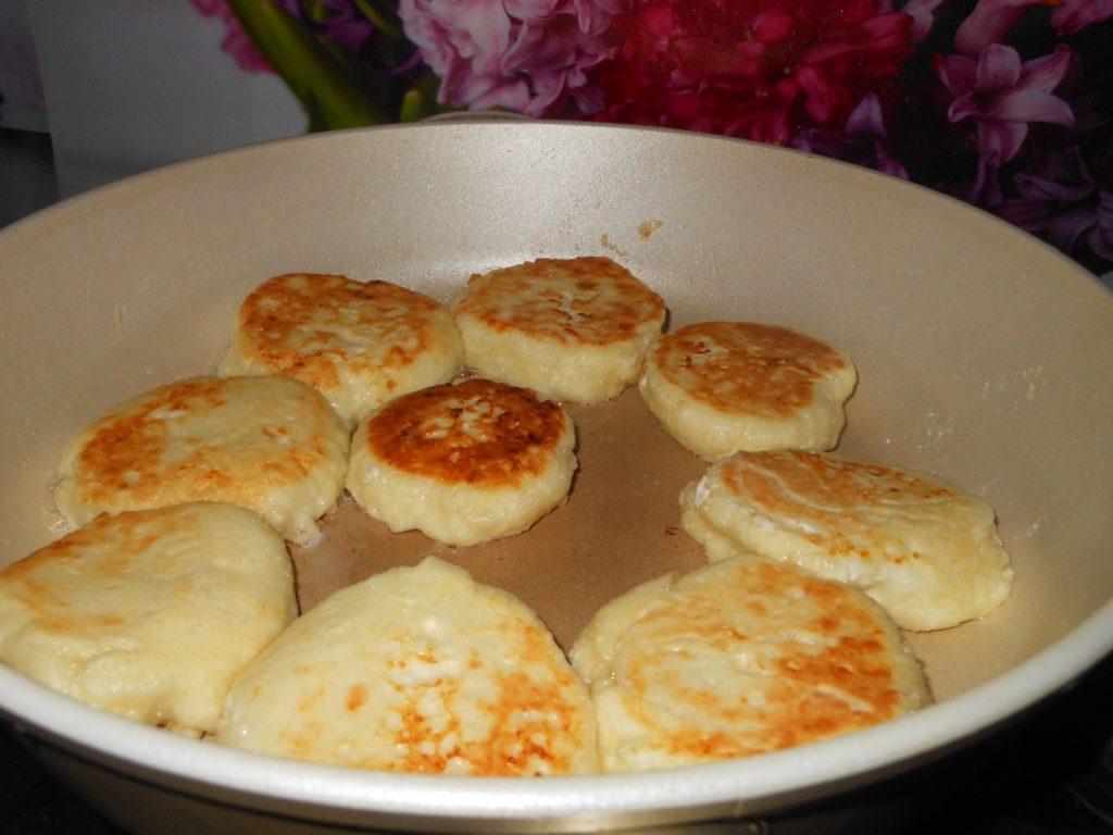 Как приготовить сырники из творога пошаговый рецепт с фото