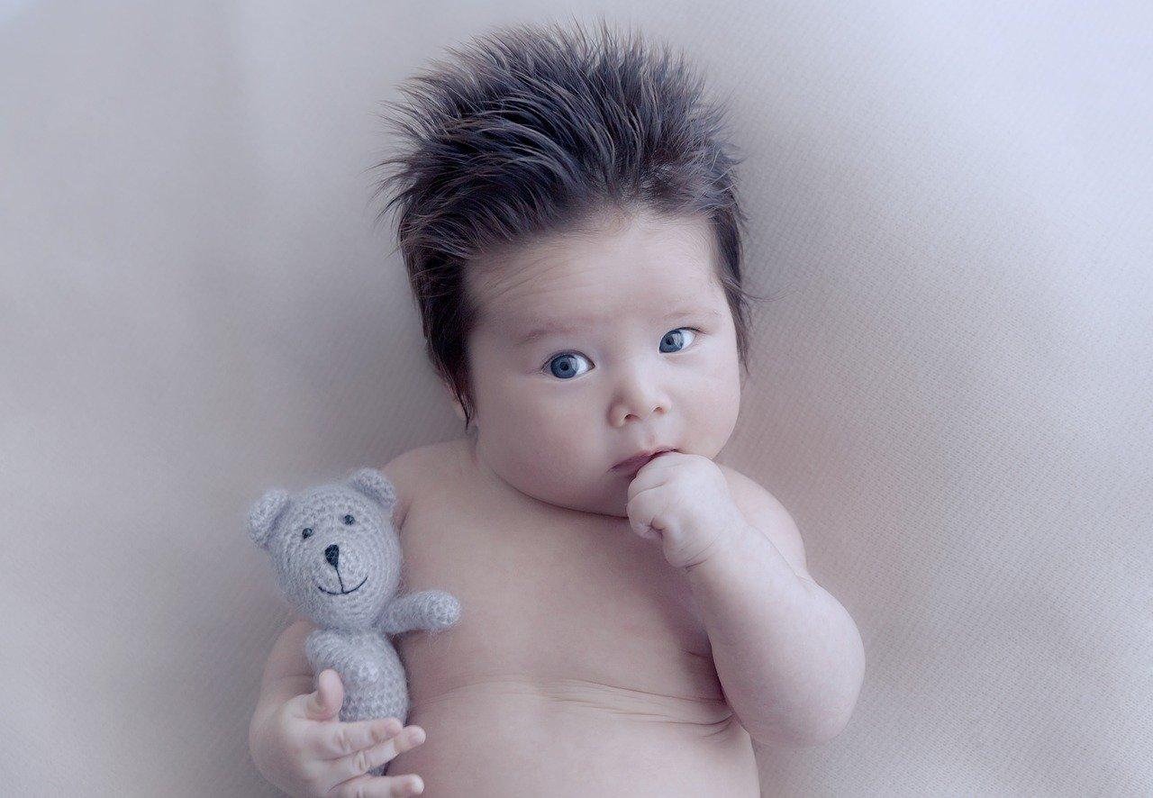 У новорожденного налет на губах