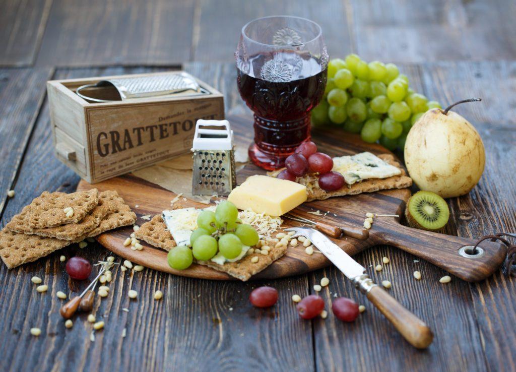 Вино из винограда в домашних условиях: простые рецепты