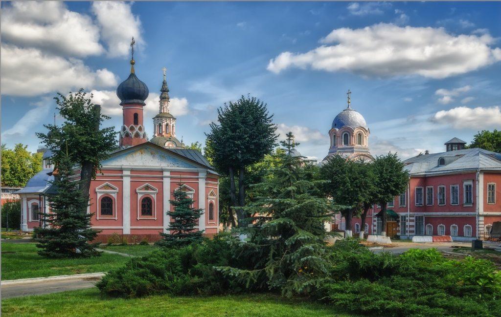 Достопримечательности Москвы куда стоит сходить: Донской монастырь