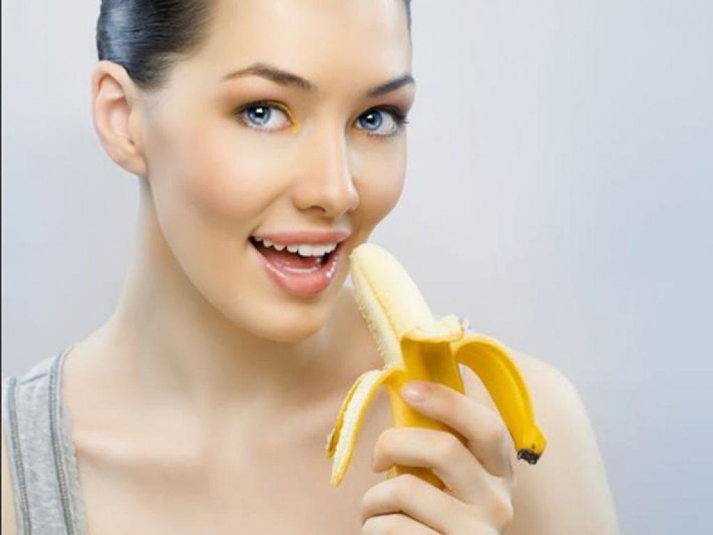 Как бананы влияют на пищеварение младенца и кормящей мамы