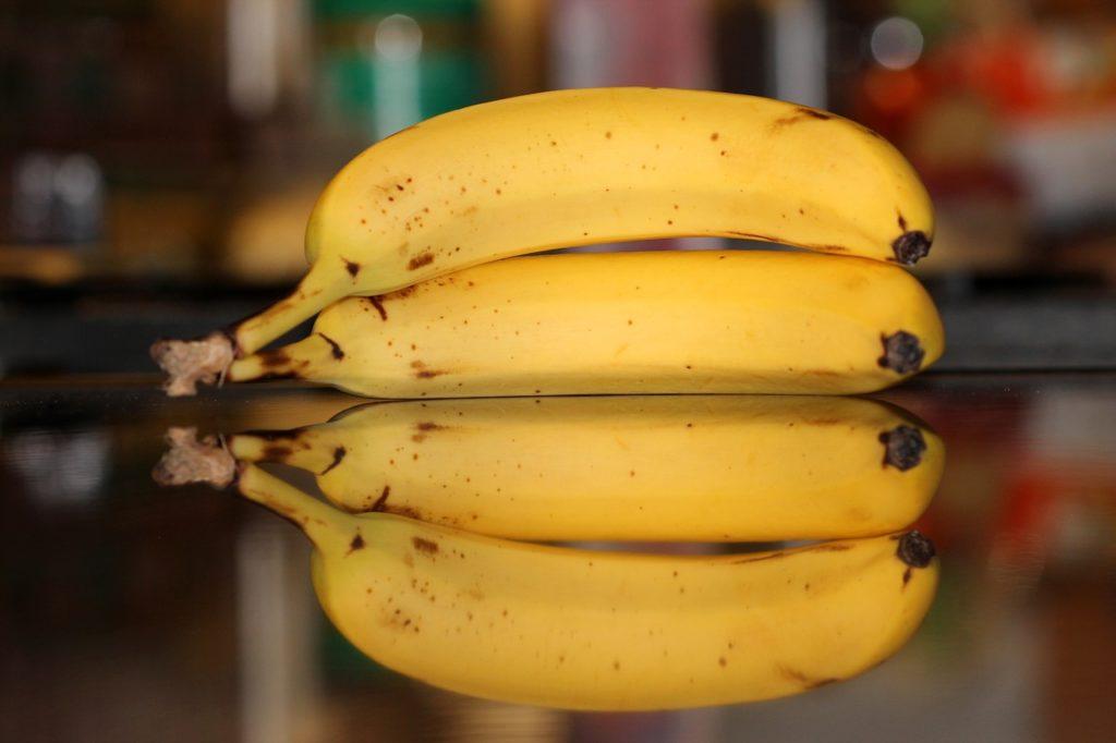 Можно ли бананы при кормлении грудью в первый месяц