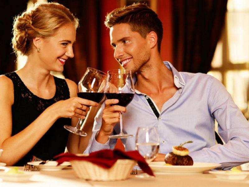 Идеи подарков на день святого Валентина: романтический ужин