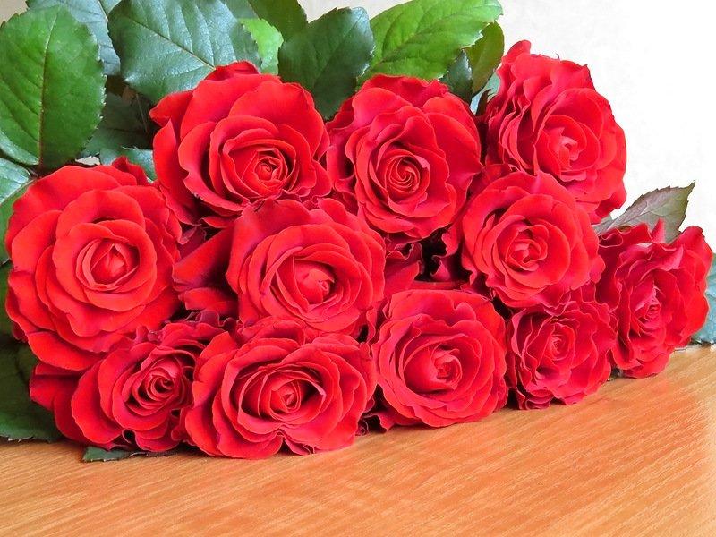 Годовщины свадеб: их названия по годам и что дарить день роз