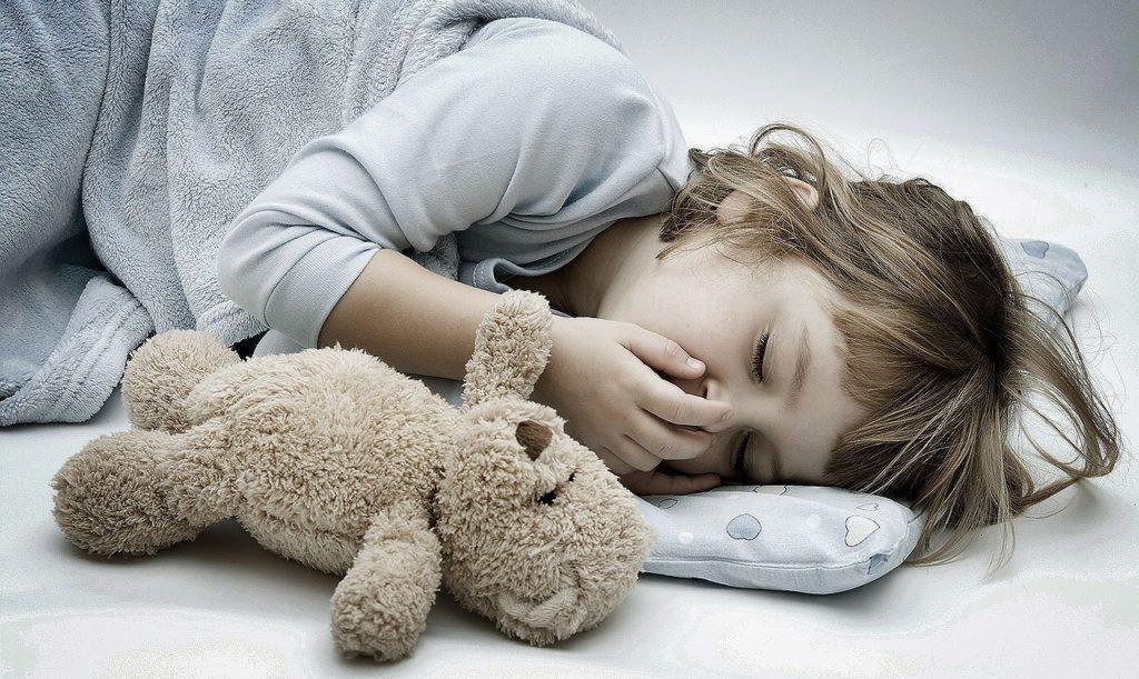 Ребенок сильно кашляет ночью сухой кашель