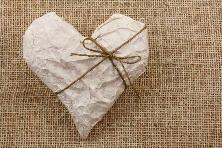 Годовщины свадеб по годам: бумажная свадьба