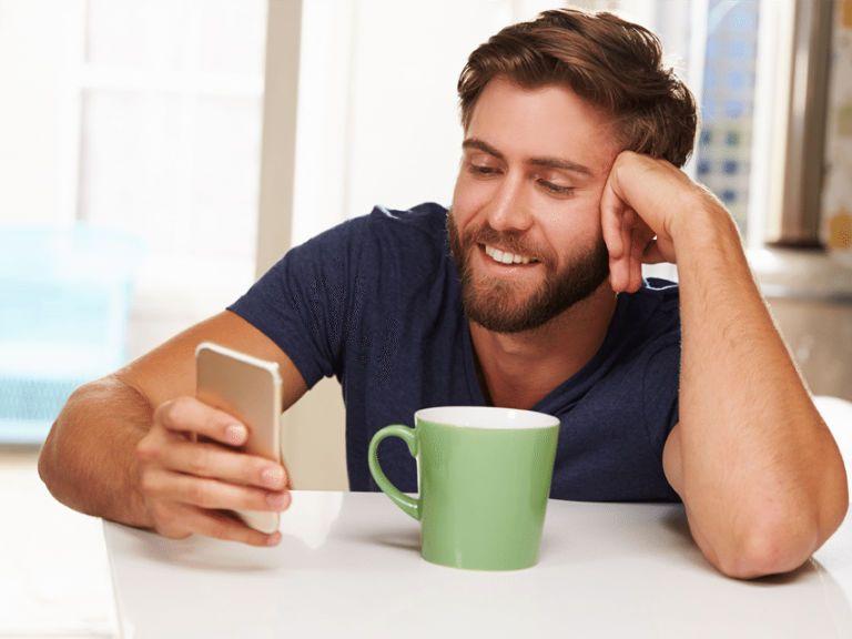 Как поздравить мужчину с днем рождения смс