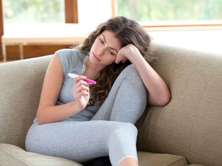 При внематочной беременности тест показывает беременность или нет