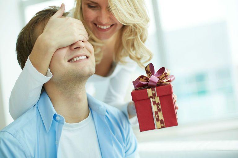 Что подарить мужу от жены: поздравления мужу прикольные на годовщину свадьбы 6 лет