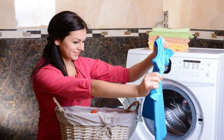 Как восстановить цвет одежды в домашних условиях