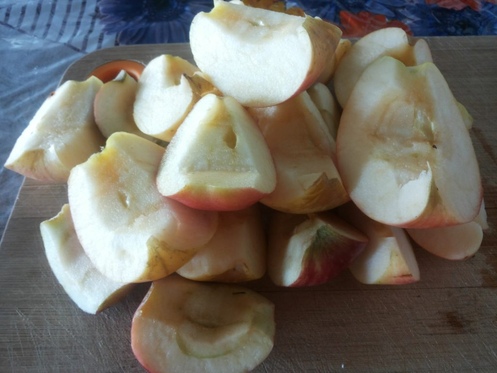 яблочная шарлотка шаг первый
