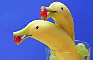 Какие фрукты можно кормящей маме новорожденного в первый месяц