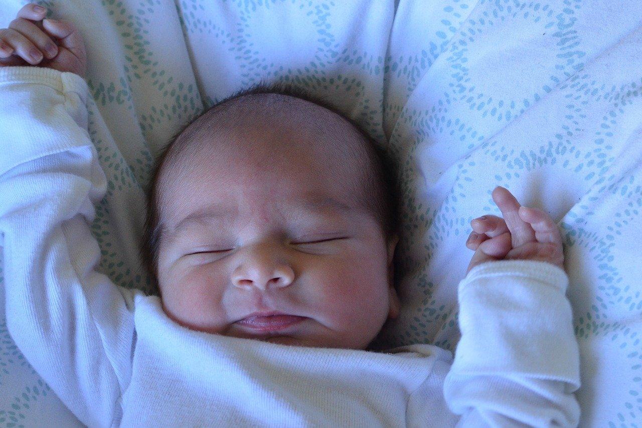 Уход за новорожденным в первый месяц за мальчиком