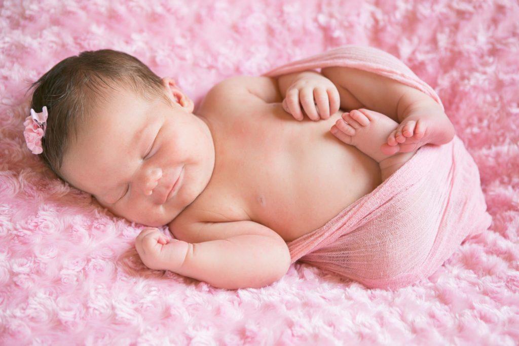 Младенец много чихает