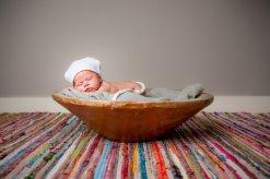 Можно ли кормить ребенка во время коликов
