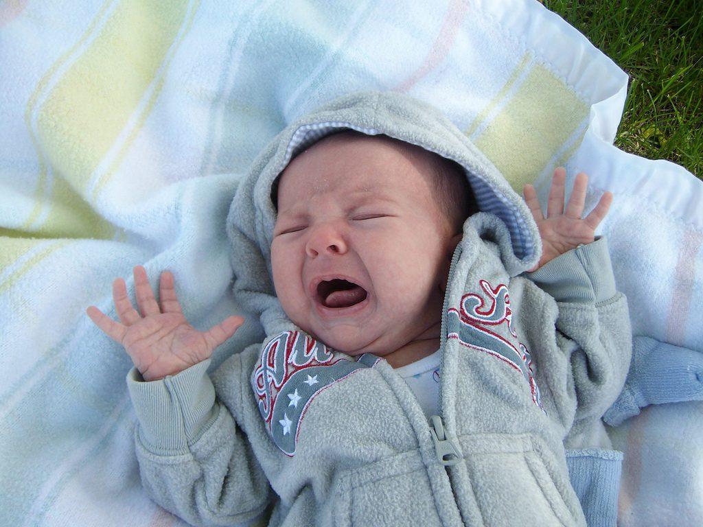 Ребенок плохо спит ночью просыпается часто и плачет