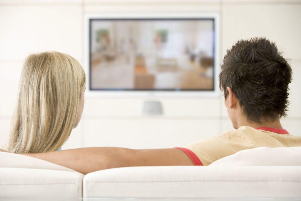 Что подарить парню на полгода отношений: видеоистория