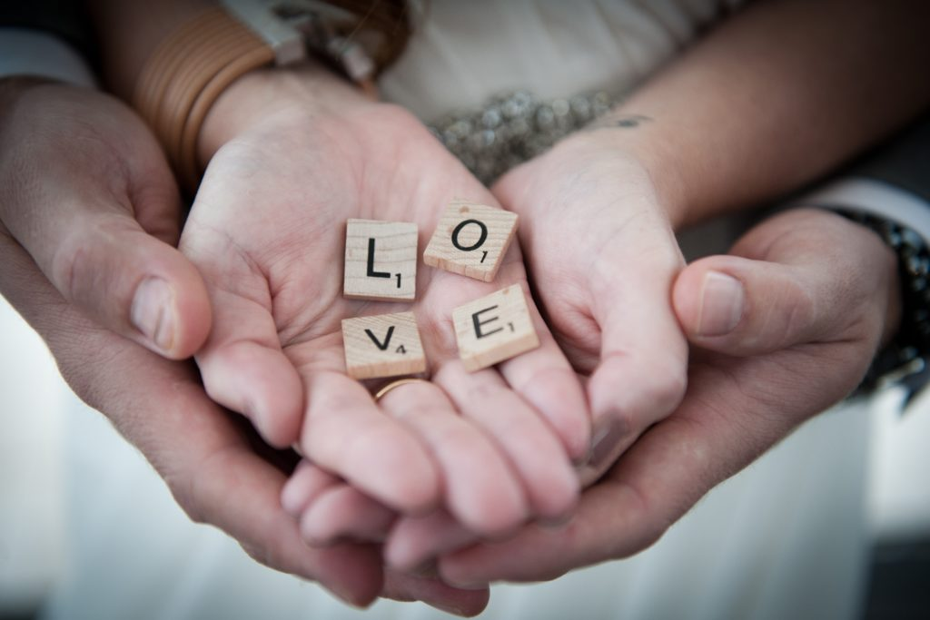 Что подарить парню на полгода отношений: алфавит отношений