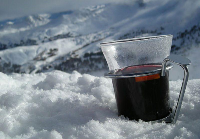 Можно ли пить глинтвейн холодным