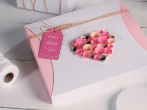 Как упаковать подарок в подарочную бумагу фото видео