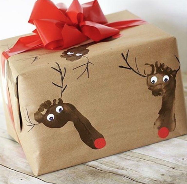 Как упаковать большой подарок в подарочную бумагу