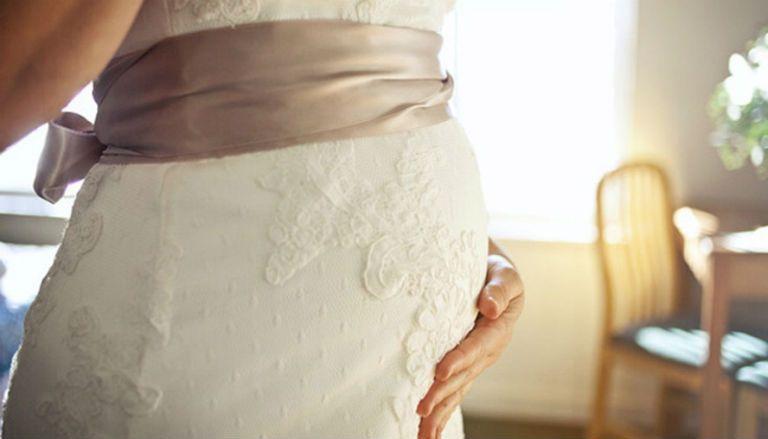 Видеть себя во сне беременную в свадебном платье