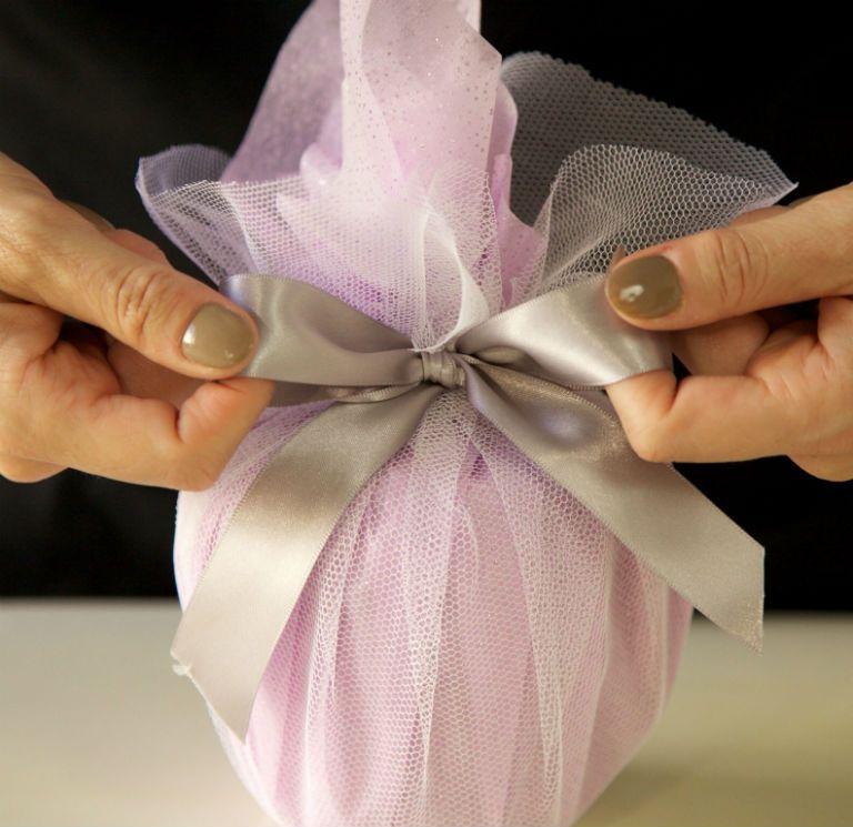 Как упаковать кружку в подарок без коробки