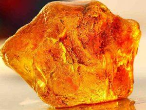 Камень янтарь, фото, свойства и значение для человека