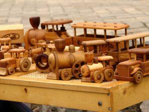 Польза деревянных игрушек для детей и взрослых